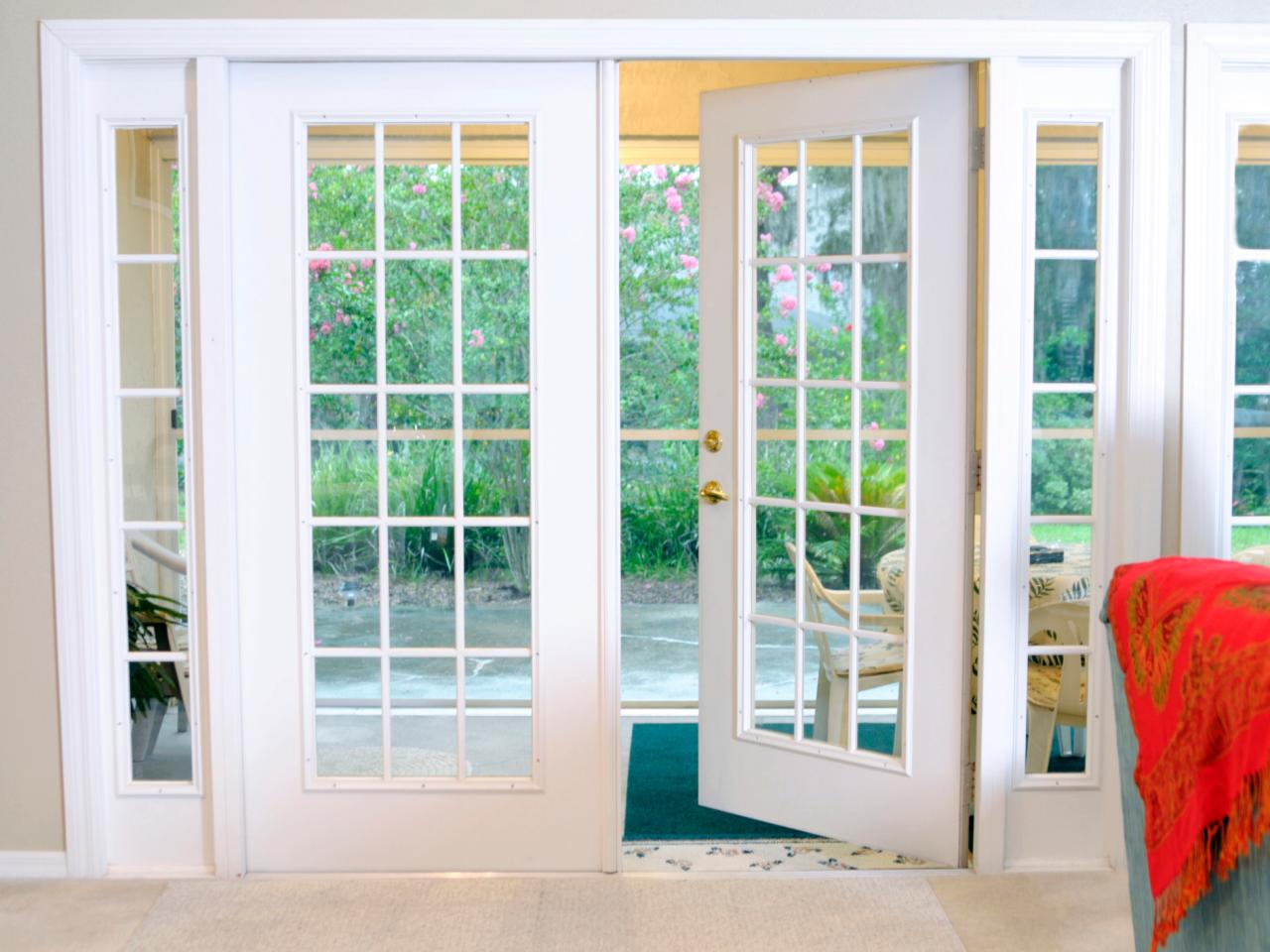 Knoxville patio doors north knox siding and windows for Outside french doors